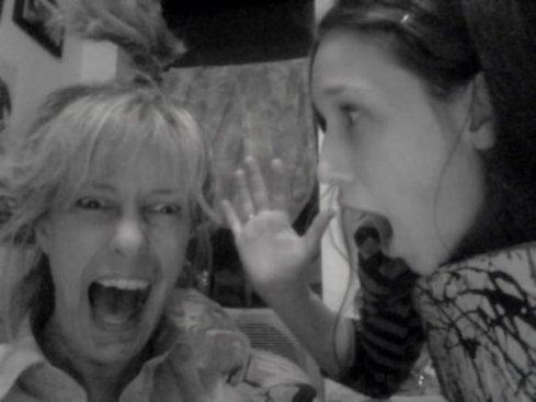 giggle w mom